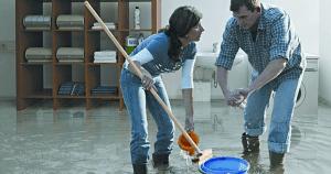 Jakie odszkodowanie należy się Tobie za zalane mieszkanie