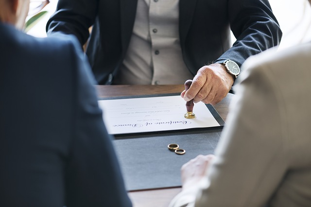 Koszt rozwodu - Czyrozwód może być korzystny?