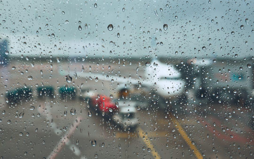 Jak złożyć reklamację odwołanego lub opóźnionego lotu, zapobyt whotelu orazzareklamę